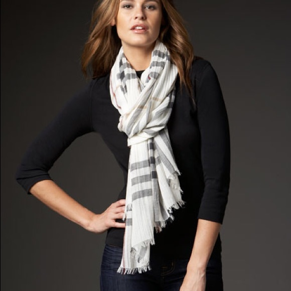Burberry Accessories - New BURBERRY Giant Check Gauze Scarf Ivory Check
